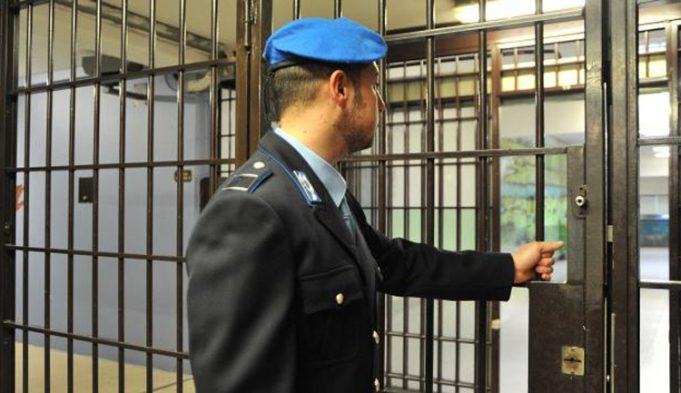 No al cambio di gerarchia tra Direttori e Polizia Penitenziaria nelle carceri