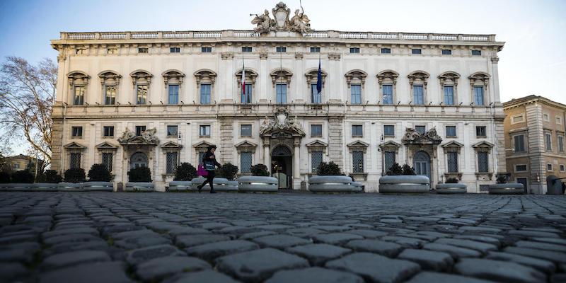 Carcere per il reato di diffamazione: la Consulta chiama in causa il Parlamento