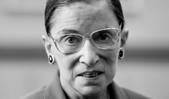 """Ruth Bader Ginsburg: la storia di """"The Notorious RBG"""". Le battaglie, le sentenze più note e il suo lascito. Intervista a Pietro Insolera"""